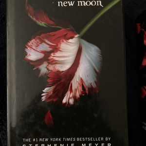Twilight New Moon Book for Sale in Woodlake, CA