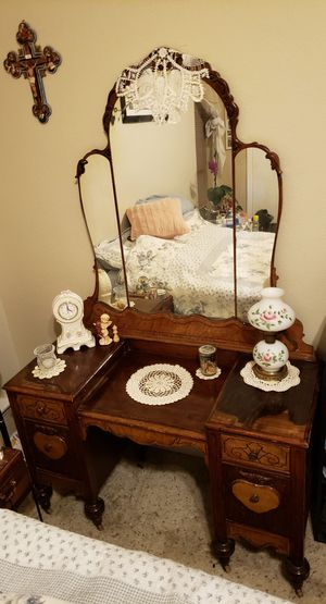 Antique Dresser/Mirror, very old. In excellent shape, original hardware and wooden rollers on feet. for Sale in Abilene, TX