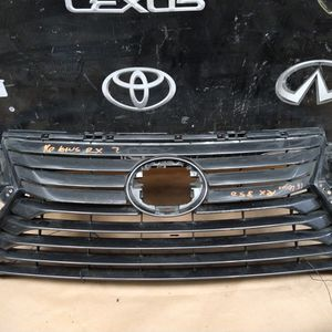 16.19 Lexus RX 350 OEM Grill for Sale in Compton, CA