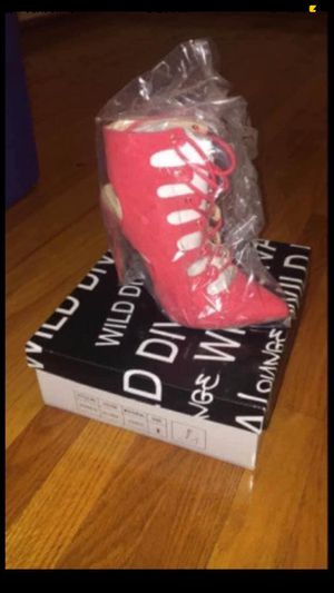 Brand New Coral Heels size 6 for Sale in Wyoming, MI