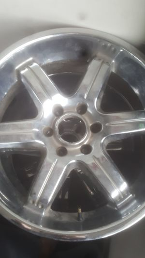 4 chrome rims for Sale in Parma, OH
