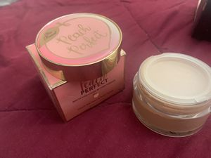 too faced authentic peach perfect powder for Sale in Fontana, CA