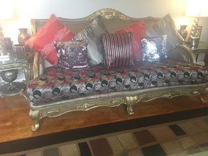 Three-piece set sofa Look like new for Sale in Franconia, VA
