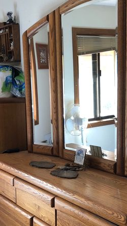 Solid Oak King Bedroom Set for Sale in Amboy,  WA
