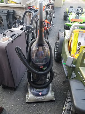 Hoover Vacuum powerful for Sale in Albertson, NY