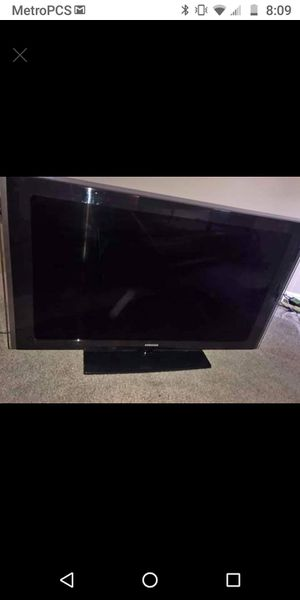 46 inch Samsung TV for Sale in Sugar Grove, IL