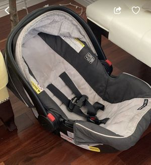 5$ Infant car seat . Needs wash for Sale in San Bernardino, CA