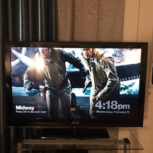 """Samsung 55"""" TV will sell with TV stand for Sale in North Andover, MA"""