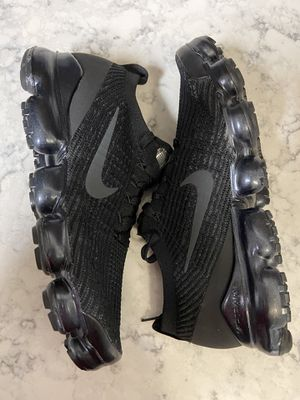 Nike Air VaporMax (size-11) for Sale in Fort Washington, MD