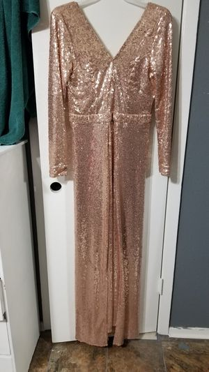 Formal dress and furry coat for Sale in Fort Worth, TX