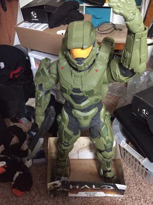 Halo master chief 3foot action figure for Sale in Pittsburgh, PA