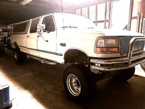 1993 FORD F350 CREWCAB 4×4 for Sale in Lakewood, CA