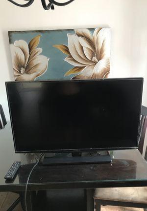 40 inch tv Insginia for Sale in Long Beach, CA