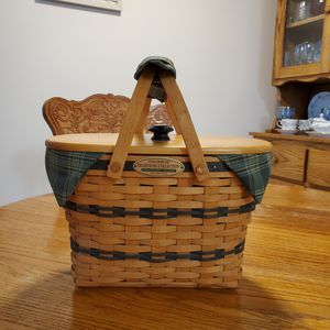Longaberger Traditions Collection 1997 edition Fellowship basket for Sale in Mount Airy, NC