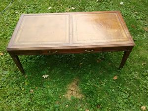 Coffee table for Sale in Brainerd, MN