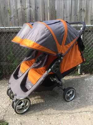 City mini double stroller clean works great for Sale in Chicago, IL