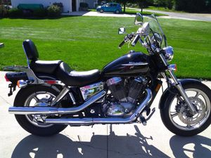 2004 Honda Shadow VT1100 for Sale in Brooklyn, MI