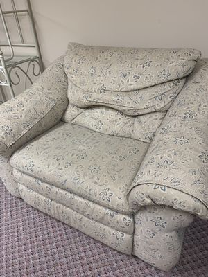 Lazy boy recliner for Sale in Columbus, OH