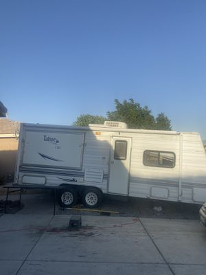 Camper for Sale in Victorville, CA