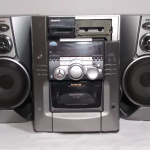 Sony Stereo with Speakers for Sale in Chula Vista, CA