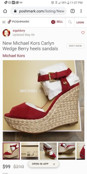 MICHAEL KORS-TAG ON Carlyn Wedge Berry heels/wedges/sandals, Size 6 for Sale in Phoenix, AZ