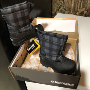 Brand New With Box Size 8 North Side Snow Boots for Sale in Reedsville, WV