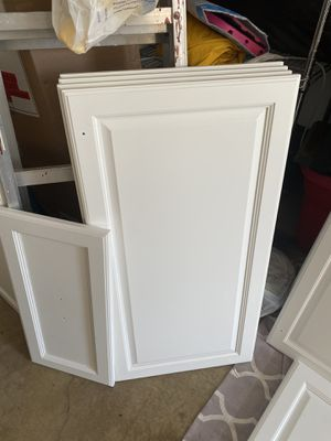 Kitchen cabinet doors for Sale in North Brunswick Township, NJ