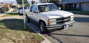 95 Chevy Silverado for Sale in Los Angeles, CA