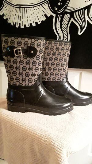 Michael Kors Rain boots NWOT size 10 for Sale in Tucson, AZ