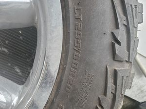 """Tire and rim .20"""" for Sale in Houston, TX"""