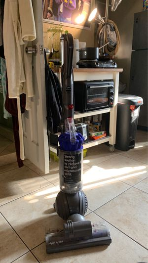 Dyson vacuum for Sale in Commerce, CA