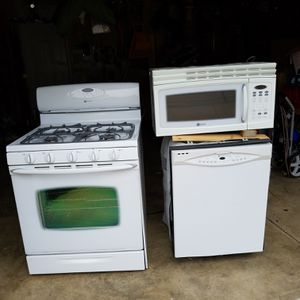 Maytag kitchen appliances for Sale in O'Fallon, MO