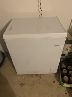 FREE Haier 5.0 cu.ft. Capacity Chest Freezer, HF50CM23NW for Sale in Orlando, FL