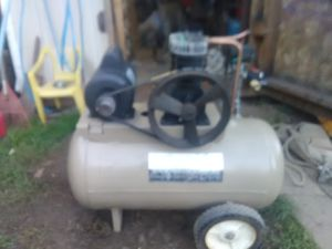 Air compressor 2hp 220v for Sale in Springfield, OR