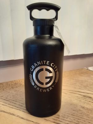 64oz. Vacuum Insulated stainless steel Tumbler for Sale in Arlington Heights, IL