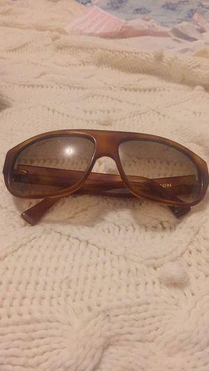 Louis Vuitton sunglasses for Sale in Bel Aire, KS