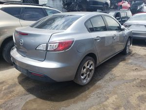 Mazda 3 for parts out 2012 for Sale in Miami, FL