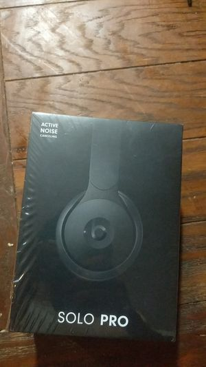 Solo Pro Beats by dre. Noise cancelation. Brand New, never opened for Sale in Granite Shoals, TX