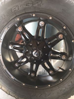 """Fuel 20"""" wheels Nitto tires for Sale in Dinuba, CA"""