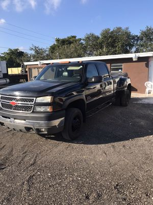 Chevy Silverado 3500. 2005 for Sale in Cape Coral, FL