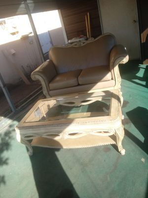 Couch with coffee table for Sale in Fort Meade, FL