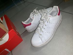 ADIDAS WOMENS 5 1/2 for Sale in Fort Lauderdale, FL