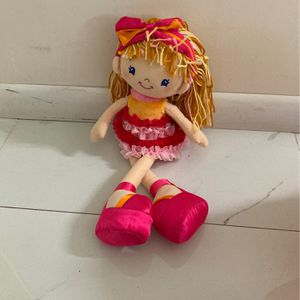 BDolly Plushy With Princess Blanket for Sale in Miami, FL