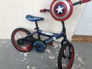 """16""""Huffy Captain America Bike with training wheels for Sale in Hialeah, FL"""