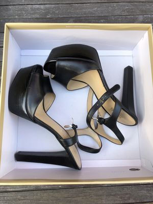 Michael Kors (Size 8) Black leather heels for Sale in San Diego, CA