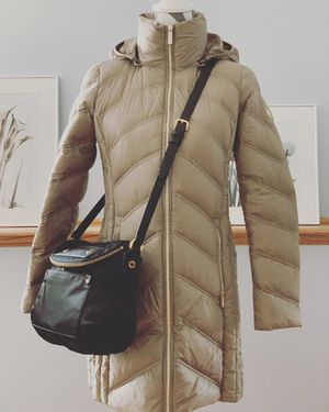 Michael Kors Women's Size XS Chevron-Quilted Packable Down Coat Jacket in Taupe & Marc by Marc Jacobs Black Nylon Crossbody for Sale in Lombard, IL