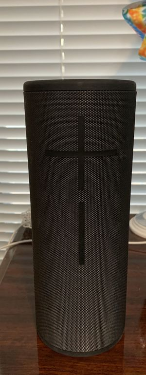 Wireless Bluetooth Ultimate ears meaga boom 3 for Sale in San Antonio, TX