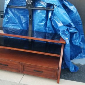 """Wood and Black glass TV Stand Will Hold Up to 75"""" for Sale in Salinas, CA"""