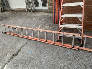 24' fiberglass extension ladder for Sale in Knoxville, TN
