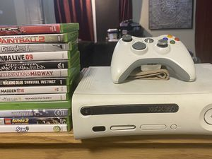 Xbox 360 w/ 13 games and two controllers for Sale in Ridgefield, WA